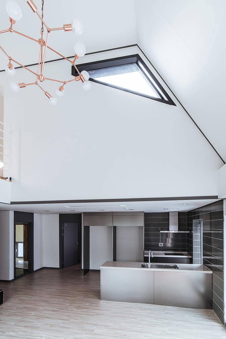 남양주_Olive Avenue: AAPA건축사사무소의  창문