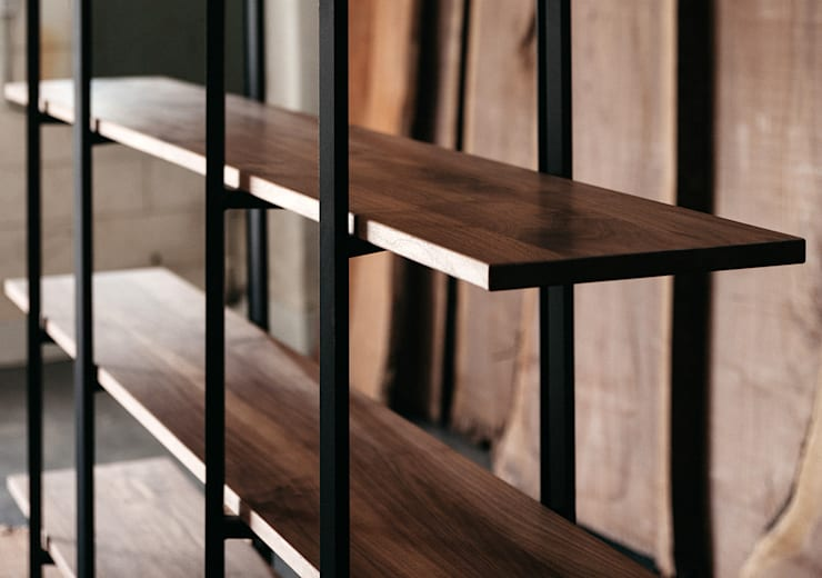 Walnut Folding Bookshelf : FURNIMASS (퍼니매스)의  서재/사무실,