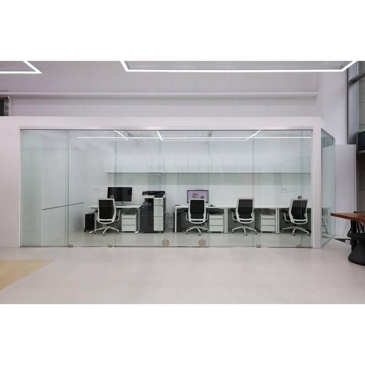 해운대전시장 사무실 전경  - SDD8300: WITHJIS(위드지스)의  사무실,