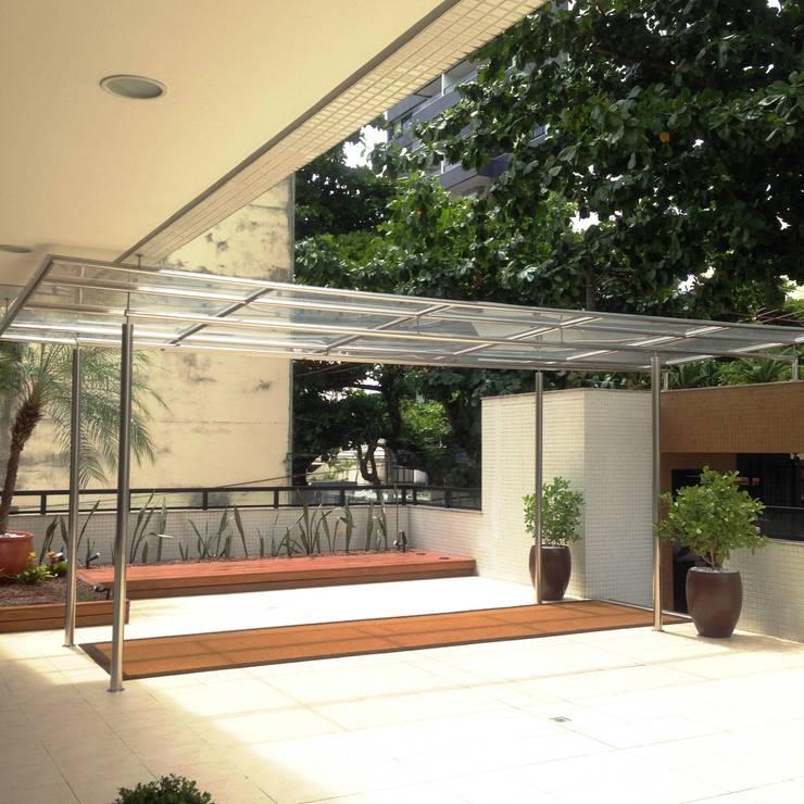 Rumah teras oleh Atelier Plural, Modern