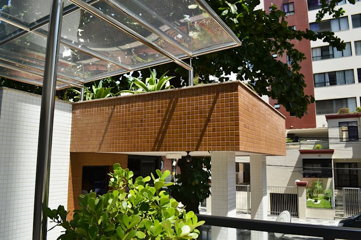 Condomínio Montmartre: Terraços  por Atelier Plural,Moderno