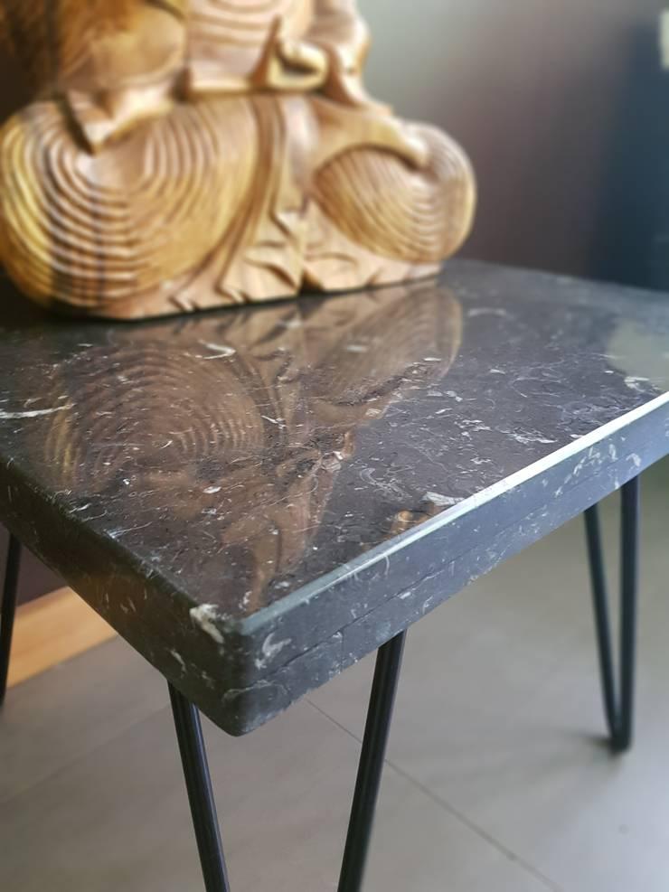 Mesa MORENA: Salas de estilo  por SIMPLEMENTE AMBIENTE mobiliarios