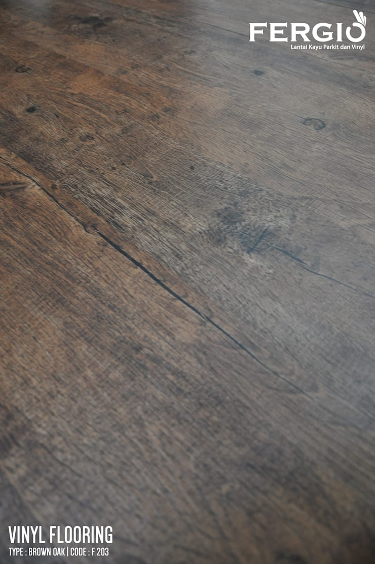 Brown Oak:  Walls & flooring by PT. Wahana Adhi Pratama