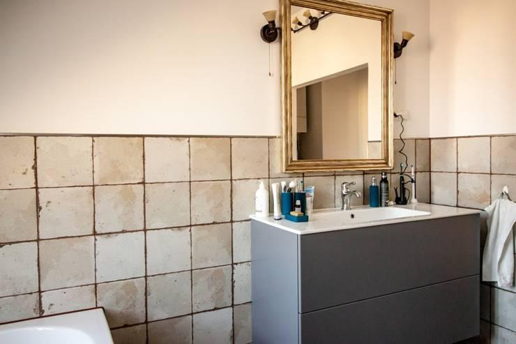 Zeitgenössische Vintage-Optik:  Badezimmer von Bad Campioni