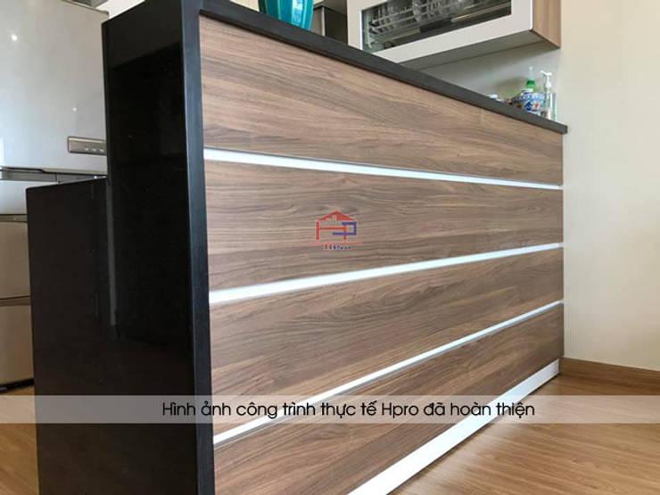Ảnh thực tế phần quầy bar tiện ích nhà chú Việt ở Hạ Long:  Kitchen by Nội thất Hpro