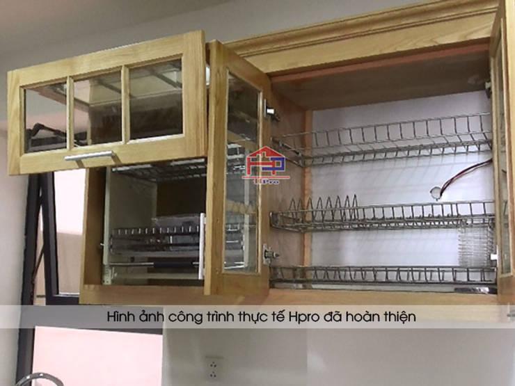 Bộ tủ bếp gỗ sồi Nga nhà anh phương ở Ngoại Giao Đoàn sau khi lắp đặt xong toàn bộ phụ kiện:  Kitchen by Nội thất Hpro