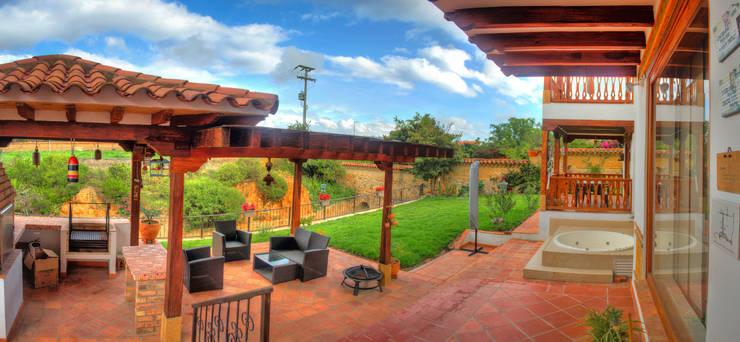terraza Bar BQ: Terrazas de estilo  por cesar sierra daza Arquitecto,
