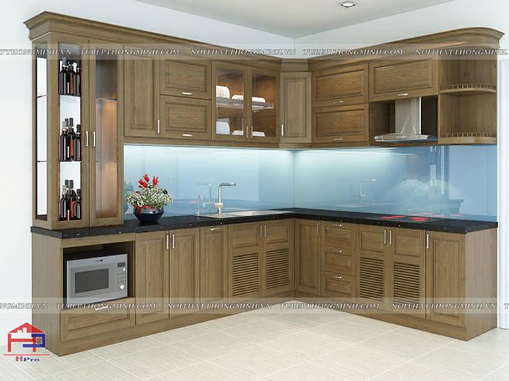 Ảnh thiết kế 3D tủ bếp gỗ sồi mỹ màu nâu trầm nhà chị Thúy Anh ở Mậu Lương:  Kitchen by Nội thất Hpro