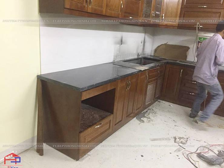 Thi công lắp đặt tủ bếp gỗ sồi mỹ nhà chị Thúy Anh ở Mậu Lương:  Kitchen by Nội thất Hpro