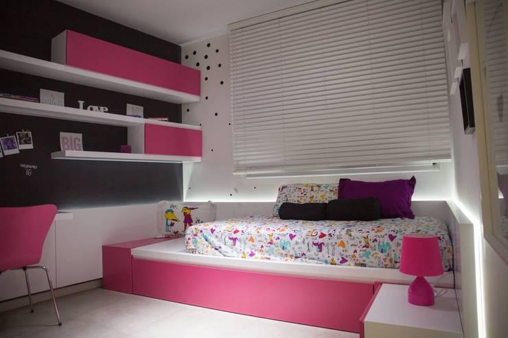 Dormitorio Infantil : Habitaciones para niñas de estilo  por Modulus,