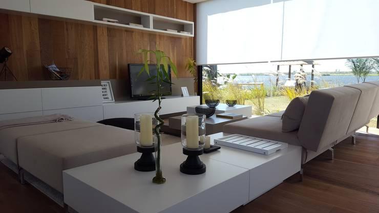 Casa Modulus : Livings de estilo  por Modulus,