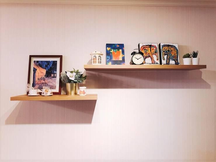 展示層板架:  玄關、走廊與階梯 by 藏私系統傢俱