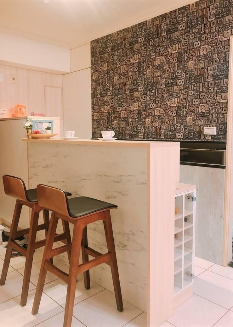 多功能吧檯桌:  玄關、走廊與階梯 by 藏私系統傢俱