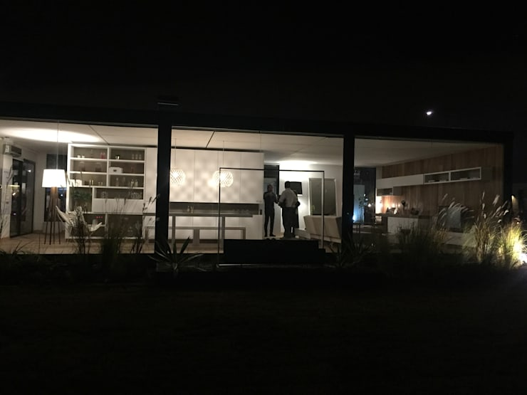 Casa en Puertos Escobar : Casas de estilo  por LIMMIT