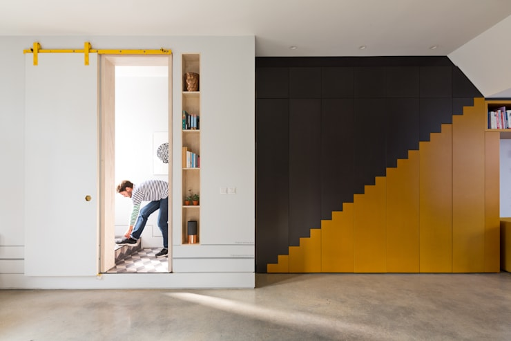 Hallway:  Corridor & hallway by Shape London, Modern