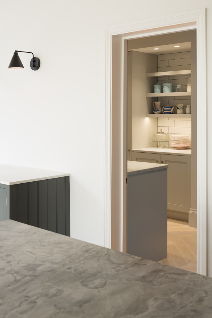 Built-in kitchens by Shape London, Modern