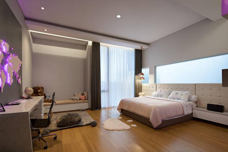 Kamar Tidur Anak Perempuan :  Kamar tidur anak perempuan by Rakta Studio