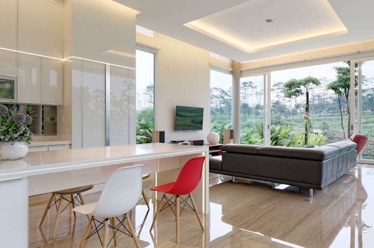 Ruang Keluarga :  Ruang Keluarga by Rakta Studio
