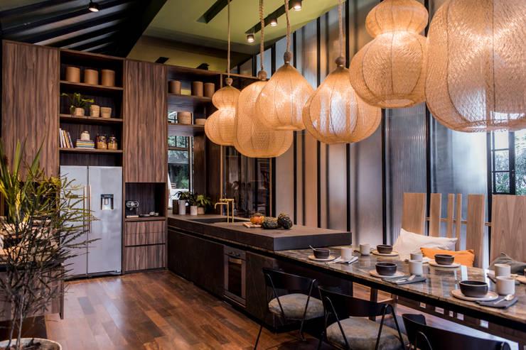 Open Kitchen : Cocinas a medida  de estilo  por Tumburus Lucas - Diseño y Arquitectura Interior,