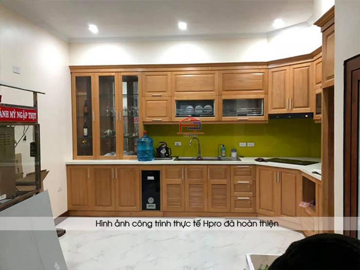 Ảnh thực tế tủ bếp gỗ sồi mỹ sau khi hoàn thiện thi công nhà anh Lệ ở Minh Khai:  Kitchen by Nội thất Hpro