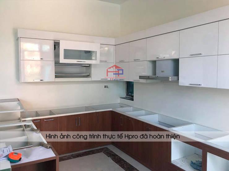 Ảnh thực tế tủ bếp laminate nhà anh Mạnh khi chưa hoàn thiện thi công:  Kitchen by Nội thất Hpro