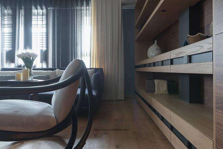 居家空間的光影變化:  室內景觀 by 宸域空間設計有限公司