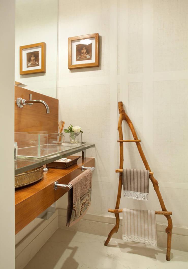 Lavabo: Banheiros  por Liliana Zenaro Interiores
