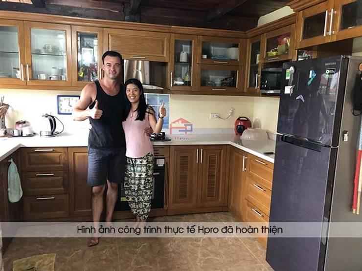 Khách hàng người nước ngoài vô cùng hài lòng khi trải nghiệm dịch vụ thiết kế và thi công tủ bếp gỗ sồi mỹ của Hpro:  Kitchen by Nội thất Hpro