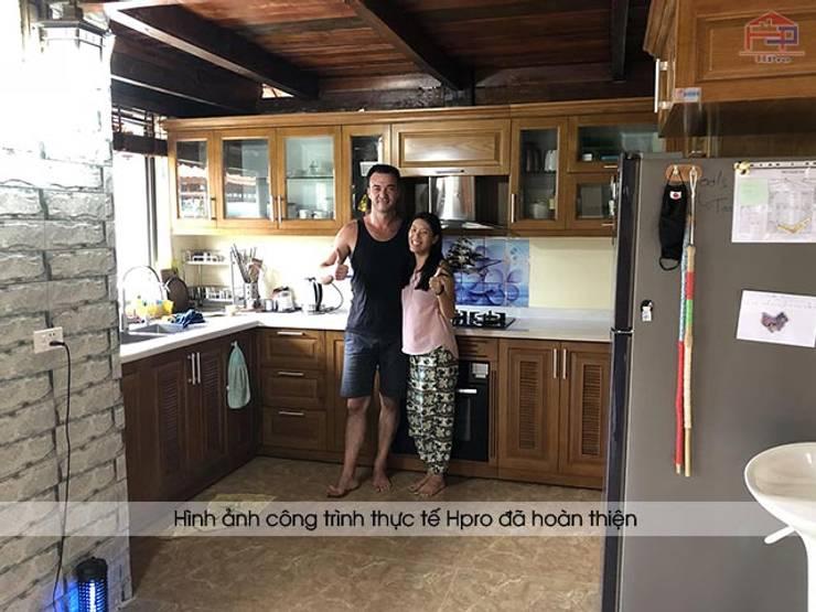 Ảnh thực tế tủ bếp gỗ sồi mỹ sau khi hoàn thành thi công tại Hòa Bình:  Kitchen by Nội thất Hpro