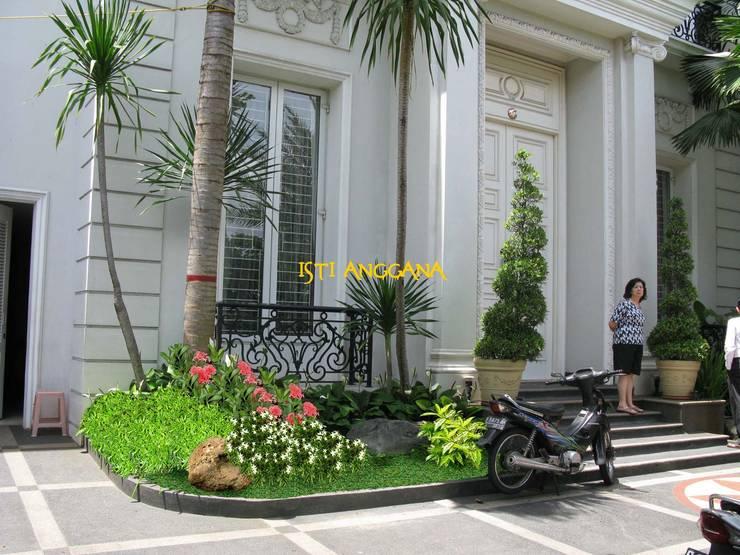Tukang Taman Murah Surabaya Flamboyanasri.com: Halaman depan oleh Tukang Taman Surabaya - flamboyanasri, Modern