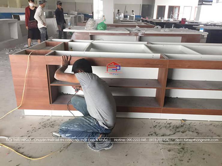 Thi công nội thất laminate nhà hàng Buffet Poseidon cơ sở 2:  Office spaces & stores  by Nội thất Hpro