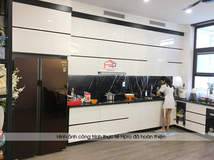 Bàn giao công trình tủ bếp acrylic đen trắng hiện đại nhà anh Thành ở Tuyên Quang:  Kitchen by Nội thất Hpro
