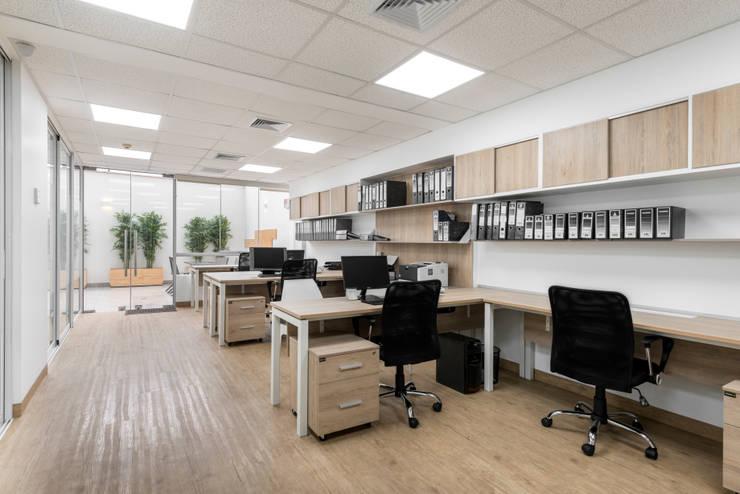 Oficinas Corporatívas - Corpac, San Isidro: Oficinas y Tiendas de estilo  por Baum Studio, Moderno Aglomerado