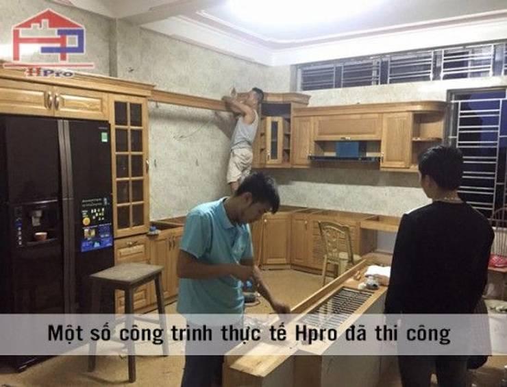 Thi công tủ bếp gỗ sồi nga nhà anh Khê tại Thái Bình:  Kitchen by Nội thất Hpro
