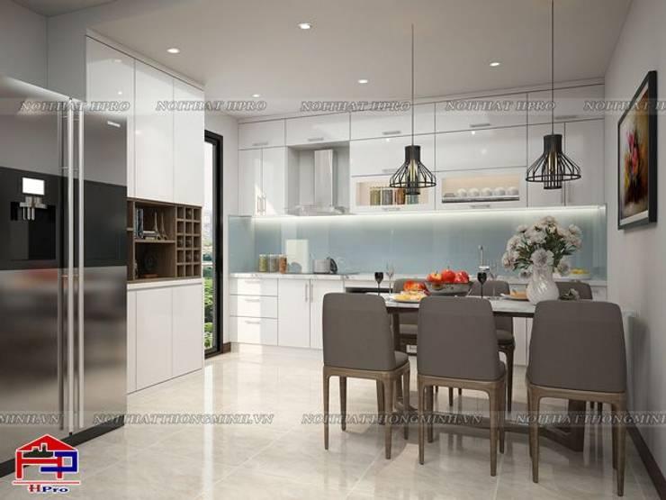 Ảnh 3D thiết kế phòng bếp cho nhà chú Quang ở tòa Ruby1 Goldmark City:  Kitchen by Nội thất Hpro