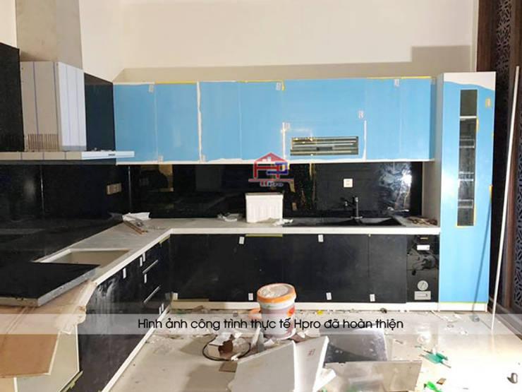 Ảnh thực tế tủ bếp acrylic nhà anh Trí ở Nam Định trong giai đoạn gần hoàn thành thi công:  Kitchen by Nội thất Hpro