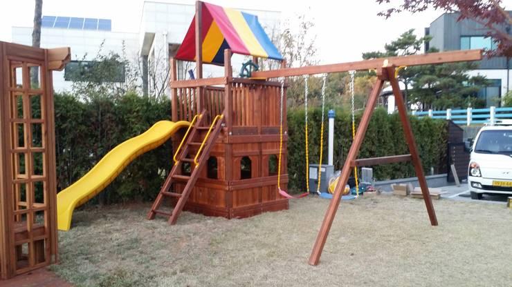어린이조합놀이대 (Swing set): (주)지브이의  ,