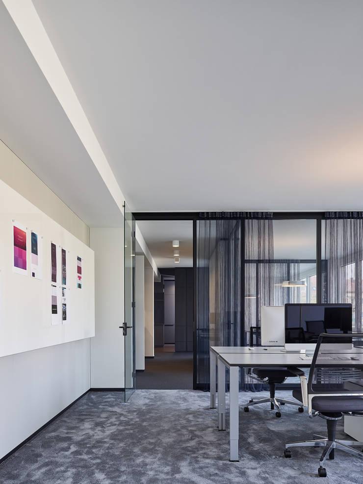 Büroplanung Office Design Stuttgart Studio Komo :  Bürogebäude von Studio Komo,Modern
