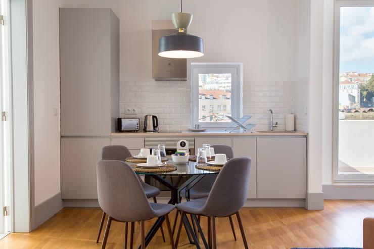 :   por Traço Magenta - Design de Interiores,Moderno