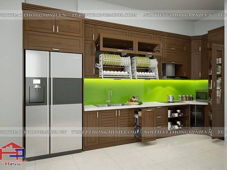 Ảnh thiết kế 3D tủ bếp gỗ sồi mỹ chữ L nhà anh Phương ở Đức Giang:  Kitchen by Nội thất Hpro
