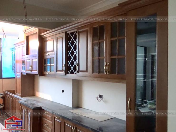 Lắp đặt tủ bếp gỗ sồi mỹ tân cổ điển cho gia đình anh Dũng tại tòa Hei Tower:  Kitchen by Nội thất Hpro