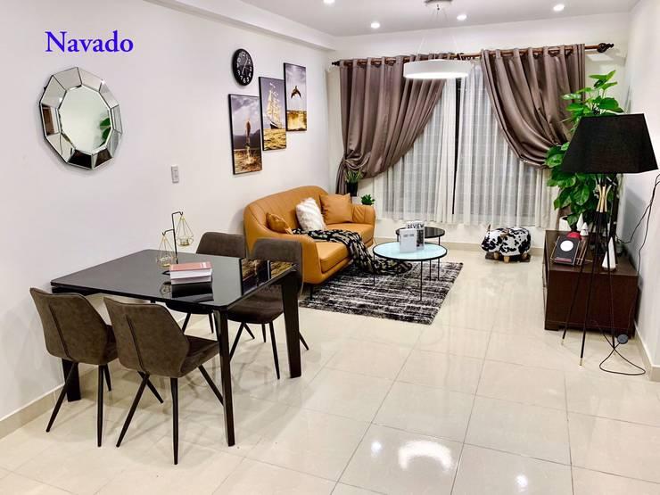 Gương trang trí phòng khách:  Living room by Công ty TNHH Navado Việt Nam
