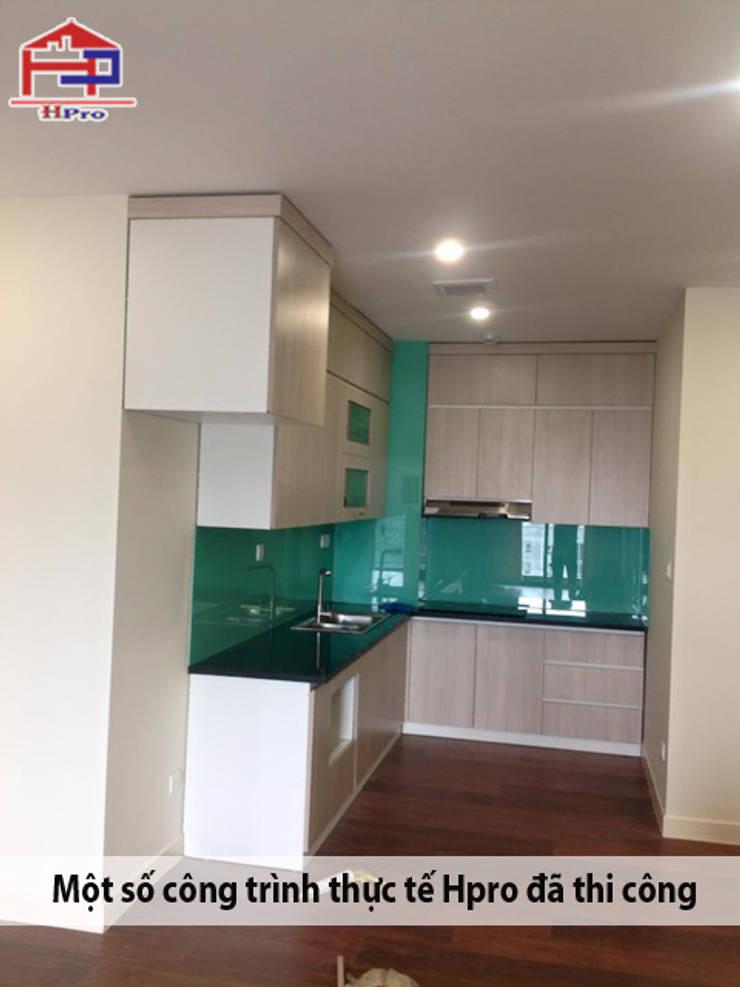 Hoàn thiện thi công lắp đặt tủ bếp laminate nhà chị Hương ở Nguyễn Tuân:  Kitchen by Nội thất Hpro