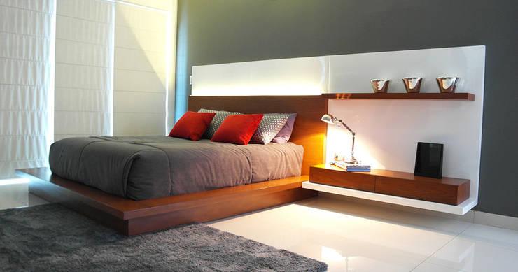 Dormitorios Principales: Dormitorios de estilo  por Corporación Siprisma S.A.C,