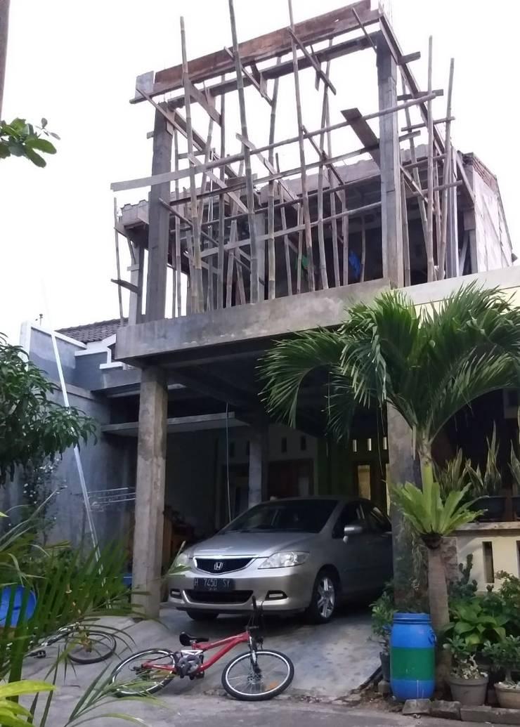 Progress Kontruksi:  Rumah tinggal  by Arsan Architect