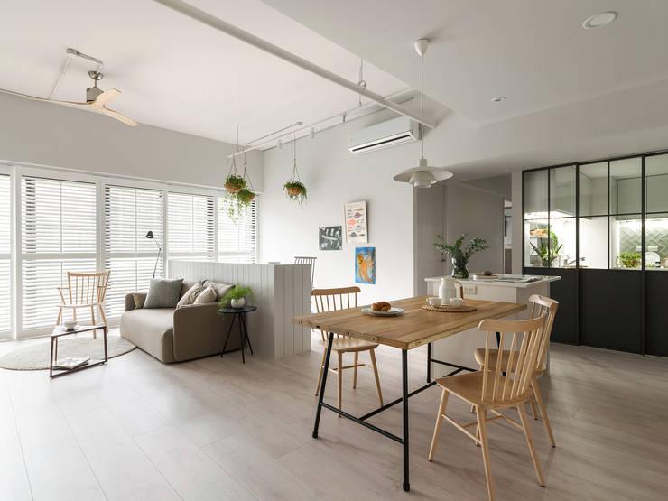 Chic house:  餐廳 by 寓子設計