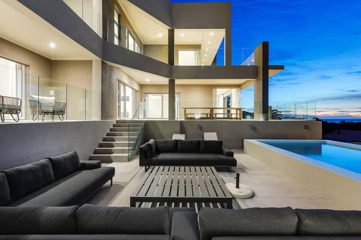 Villa oleh FRANCOIS MARAIS ARCHITECTS