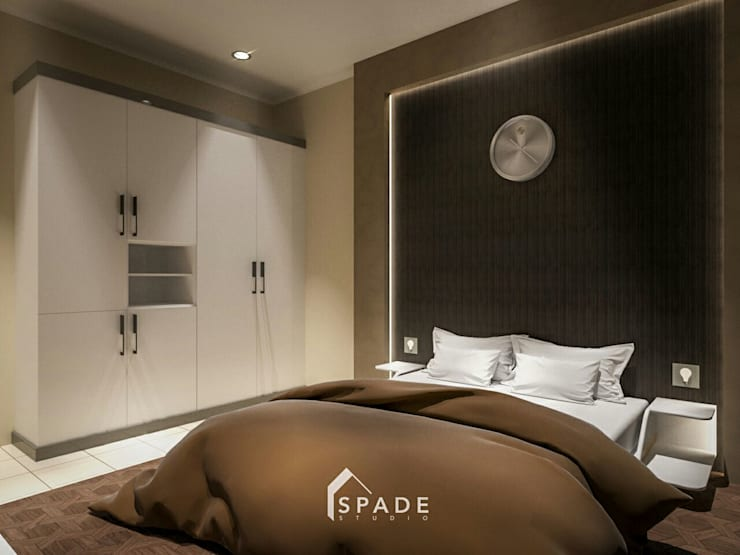 Lemari pakaian 2:  Bedroom by SPADE Studio Indonesia