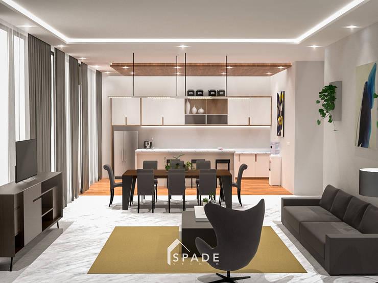 Ruang tamu / keluarga:  Ruang Keluarga by SPADE Studio Indonesia