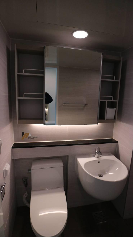 염창동 강변힐스테이트: interior  이유의  욕실,